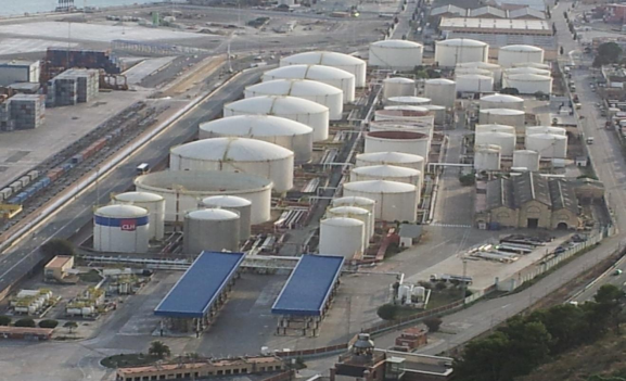 Petrochemical plant secured with intuVision security video analytics.